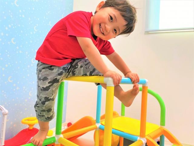 室内ジャングルジムは我が家の5歳の息子も遊べる!意外と長く遊べておすすめ!