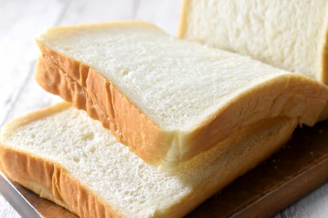 バターと卵ををふんだんに使用した濃厚な食パン